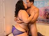 Le gustan las mujeres gordas y disfruta follando con ellas - HD