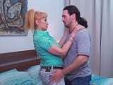 Hijo y madre comparten todo, hasta la pasión del sexo incesto - Incestos