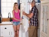 Haley Reed y Sean Lawless follando bien duro en la cocina de casa - Redtube
