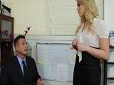 La secretaria pone a todo el personal de la oficina, cachondos! - XXX
