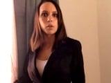 La vendedora viciosa de inmuebles acaba vendiendo su cuerpo - Pornhub
