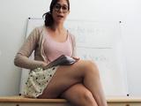 Reconozco que la profesora de mi hijo tiene un polvazo - Pornhub