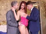 Estos hombres adinerados se gastan mucha pasta en prostitutas - Doble Penetracion