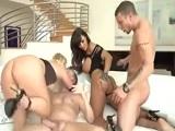 Brutal orgía entre diosas del porno como Lisa Ann y Katja Kassin - Orgias