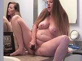 Se masturba en el baño la embarazada, que viciosa que es joder.. - Embarazadas