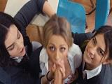 Un castigo muy severo a tres estudiantes muy conflictivas.. - HD