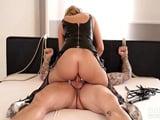 Sexo duro gratis con Stacey Saran, una ama muy estricta y viciosa - Sexo Gratis