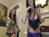 Dos amigas cachondas que se tocan los coños en la webcam - Webcam Porno