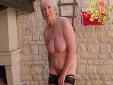 La vieja con cerca de ochenta años y con un vicio tremendo.. - Masturbaciones