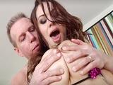 Una sesión de sexo muy hardcore para la tetona Karmen Karma - Porno Gratis
