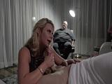 La señora Phoenix Marie es infiel delante de su marido tan gordo.. - Porno Gratis