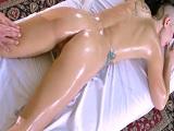 El masajista Toni Ribas pilla cacho con la clienta Rachael Madori - Porno Gratis