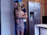 Mi suegra me pone la polla durísima tan sólo con abrazarme - Casadas