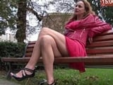 Divorciada francesa queda con un veinteañero para follar: qué zorra! - XXX