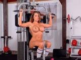 Así está de buena Charley Atwell con todo lo que se machaca en el gimnasio - Chicas Desnudas