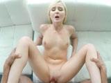 Natalia Queen; Apariencia de chica dulce pero un zorrón en el sexo - POV