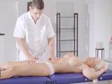 Otro masaje erótico que acaba siendo una follada anal - Anal