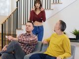 Mi marido trae a un amigo suyo a casa que no está pero que nada mal … - Xvideos
