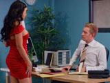 Esta secretaria hace con su jefe lo que le da la gana… - Morenas