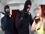 Dos enmascarados entran a robar en casa, pretenden intimidarme - Pornhub