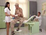 Es la nueva enfermera del cuartel y nos tiene a todos empalmados !! - Españolas