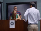 Joder, nos acaban de pillar follando en el trabajo, que vergüenza - Actrices Porno