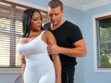Celebra su embarazo follando duro con su entrenador … !! - Embarazadas