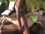 Un negro le deja el culo abierto como una puerta Valentina Nappi - XXX
