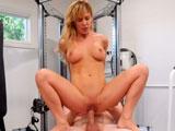Con la MILF Cherie Deville todo suele acabar en sexo joder - Pornhub