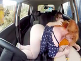 Conducir no parece saber, pero mamar la polla del profesor, si - Pelirrojas