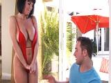 Buuuf! Como se presenta Veronica Avluv a su nuevo vecino.. - HD
