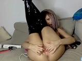 Emily Addison, esta si que se masturba bien en su webcam.. - Webcam Porno