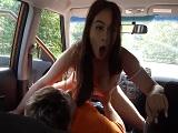 Follando en el coche con el examinador de la autoescuela.. - HD