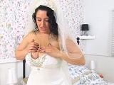 El día de su boda y se quiere pajear.. Para liberar tensiones! - Masturbaciones
