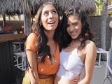Las dos tienen ganas de polla, ellas son Gabriela Lopez y Violet Myers - Actrices Porno