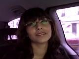 Madura con gafas contacta con una productora para grabar porno - Amateur