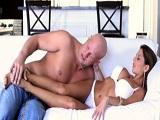 Alison Star disfruta follándose a los calvos con pollones grandes - Actrices Porno