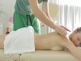 Rusa cachonda busca algo más que un masaje convencional - Morenas
