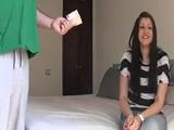 Torbe se folla duro a una estrecha que seduce por la calle - Morenas