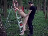 Tremenda humillación sexual para chica en medio del bosque - XXX