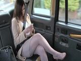 Ella es muy pija, pero le encanta que el taxista se la meta muy dura - Folladas En El Taxi