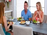 El almuerzo con la cuñada acaba en un polvo rápido en su habitación - Casadas