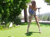 El profesor de golf sabe como seducir a sus alumnas más putas - Amateur